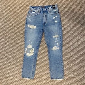 NWOT Abercrombie mom jeans